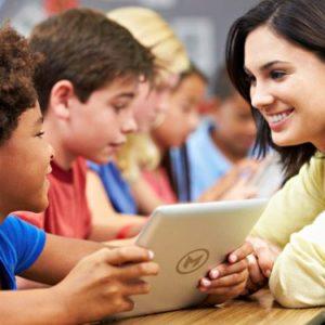 thumb-tecnologia-na-sala-de-aula